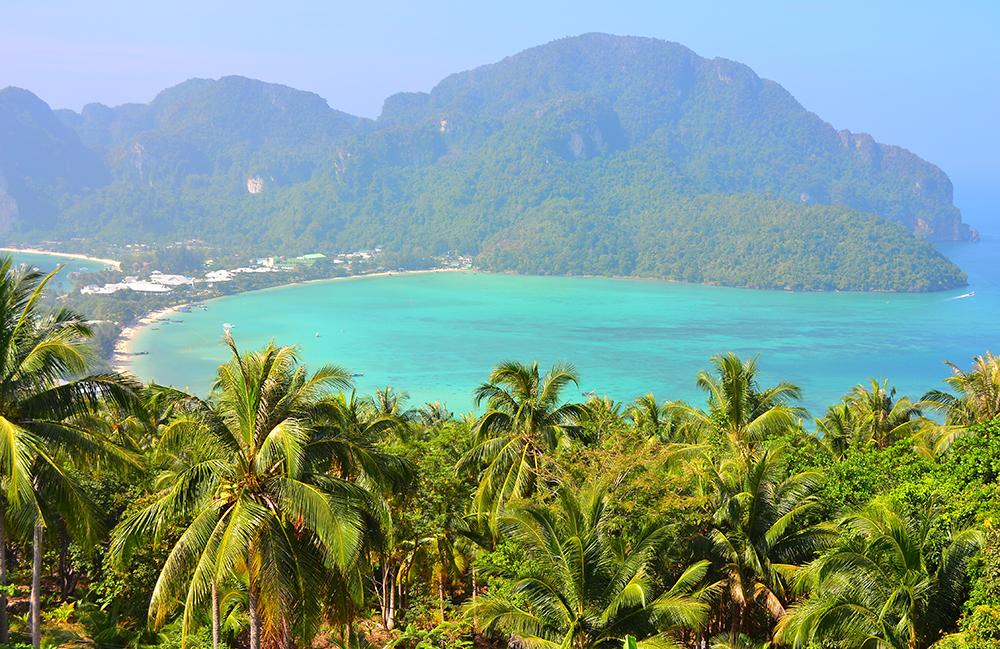 Вид на остров Phi Phi Don со смотровой площадки