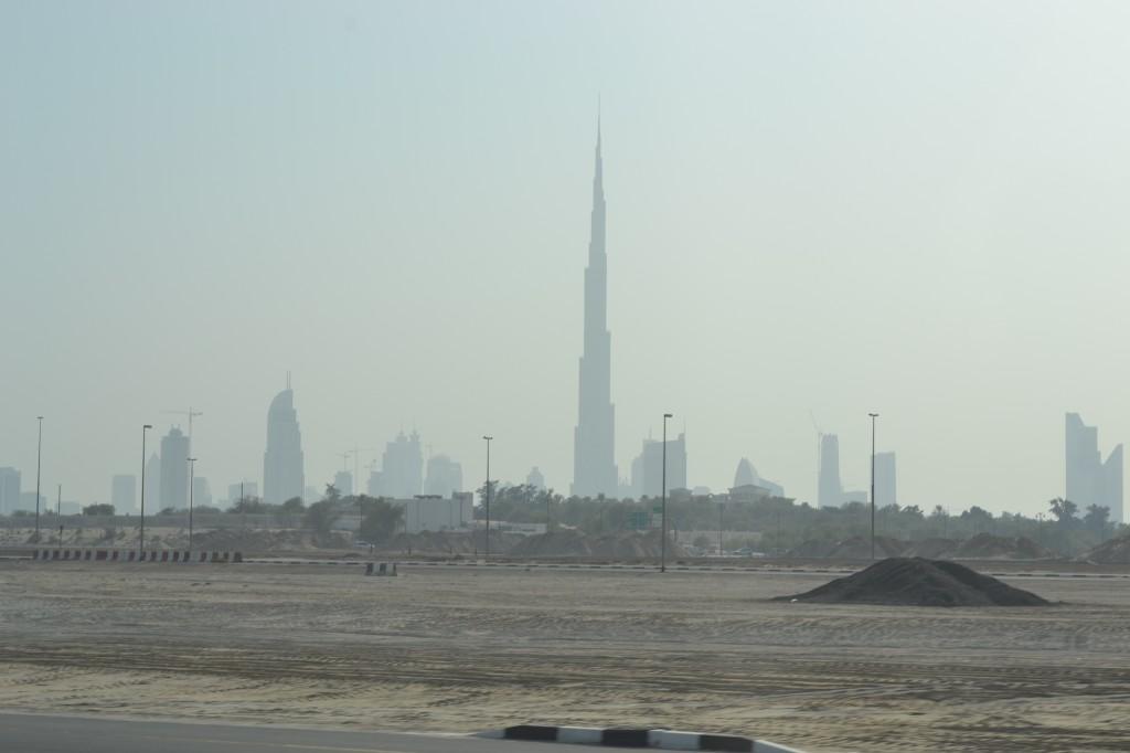 Вид на Бурдж халифа издалека