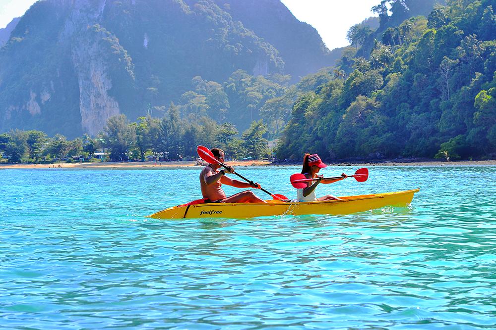 Walk on the Phi Phi Islands kayaking