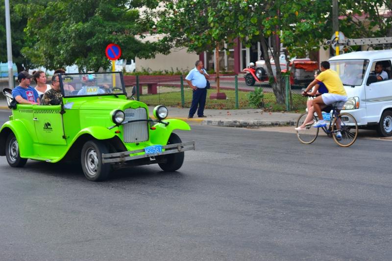 ретро машины Кубы
