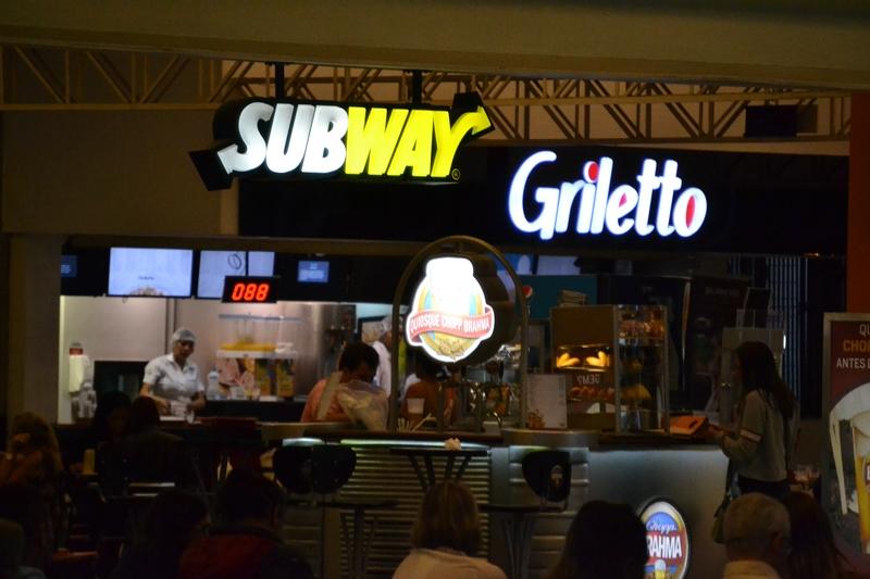 кафе Subway на автобусной станции в Сан Пауло
