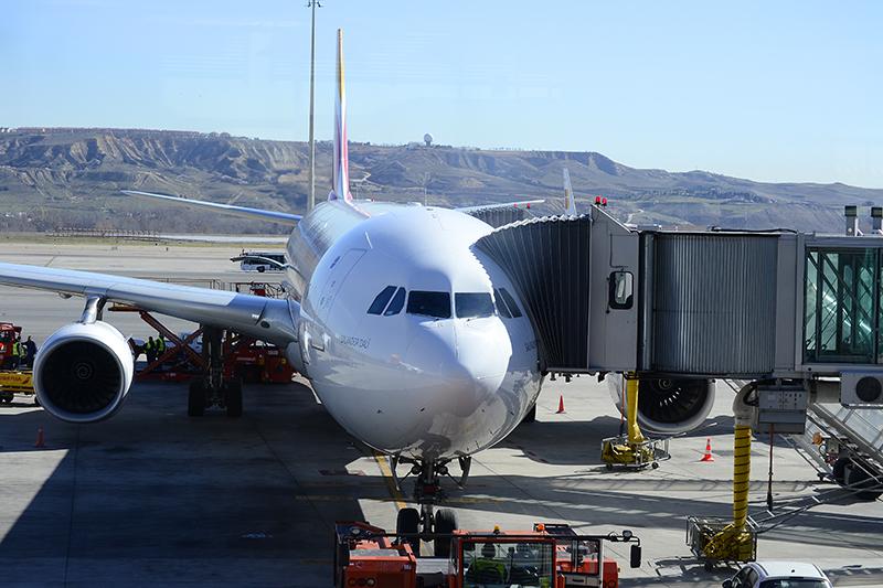 Вид из терминала аэропорта в Мадриде