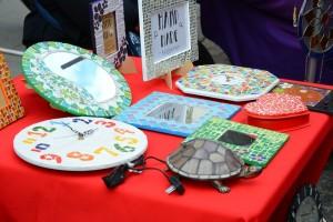 часы, шкатулки и зеркало ручной работы