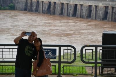 tourists in Itaipu