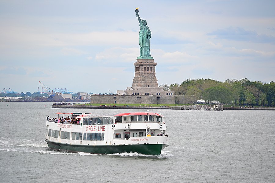 tour to statue of Liberty