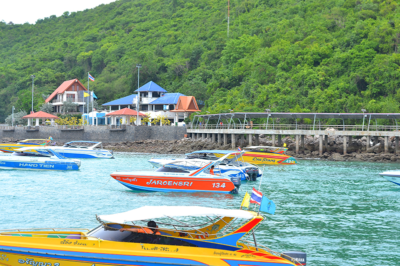 Speed boat to Ko Larn island from Pattaya