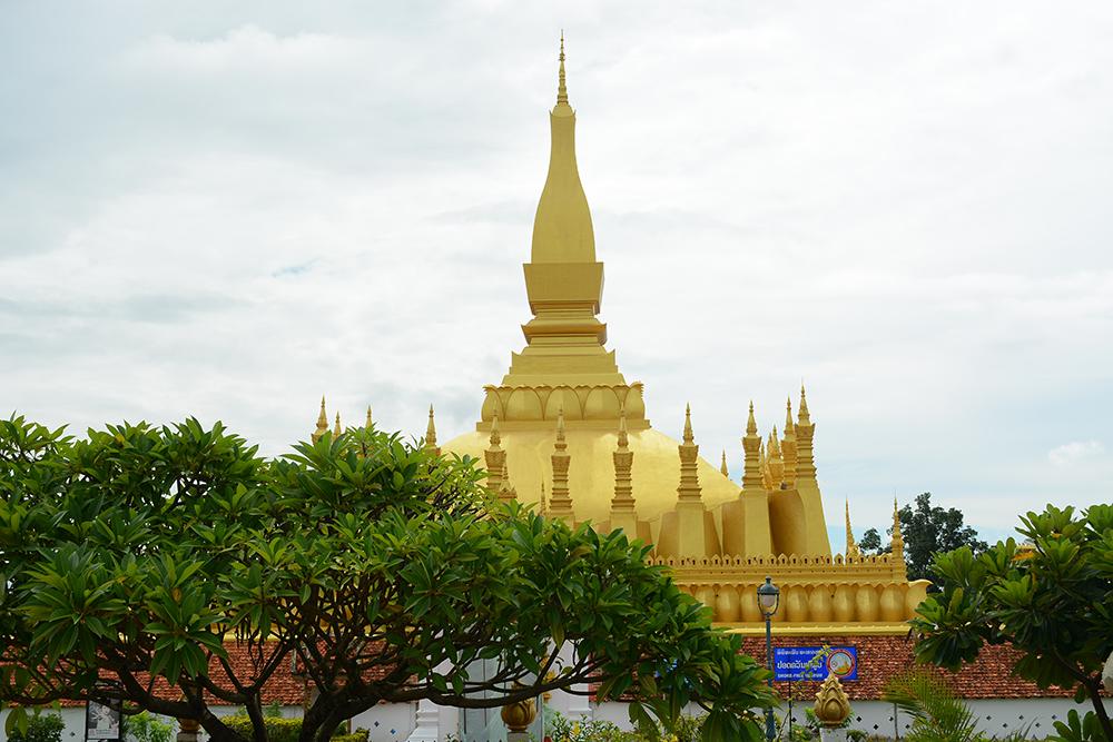 Храм Pha That Luang