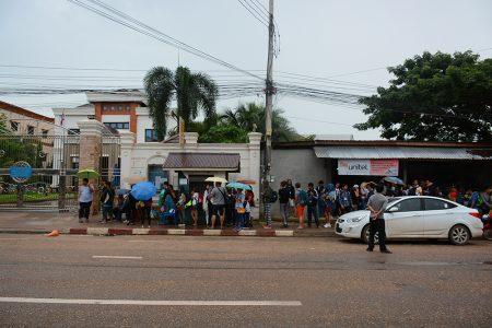 очередь в Тайское консульство во Вьентьне