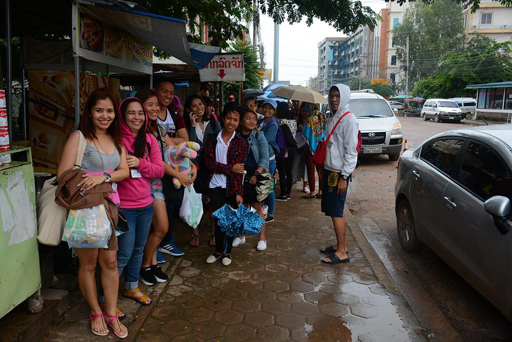 филиппинские туристы подающие на тайскую визу в Лаосе