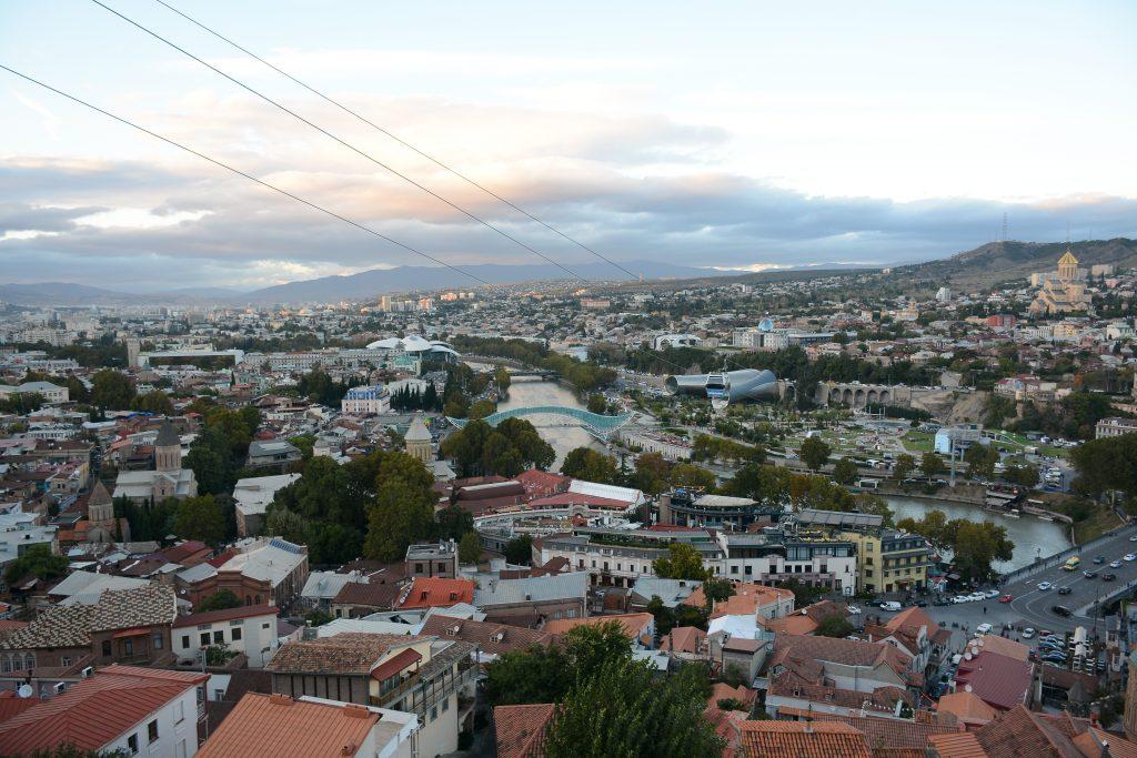 Вид на Тбилиси со смотровой площадки Kartlis Deda View Point